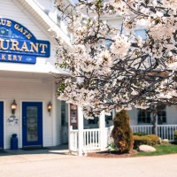 Blue Gate Restaurant, Theater & Garden Inn
